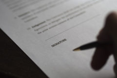 business-contract-signing